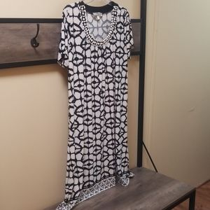 Women's beige and black dress NEW